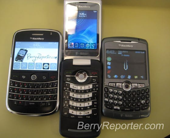 RIM's BlackBerry Pearl Flip 8220 gets photographed, previewed