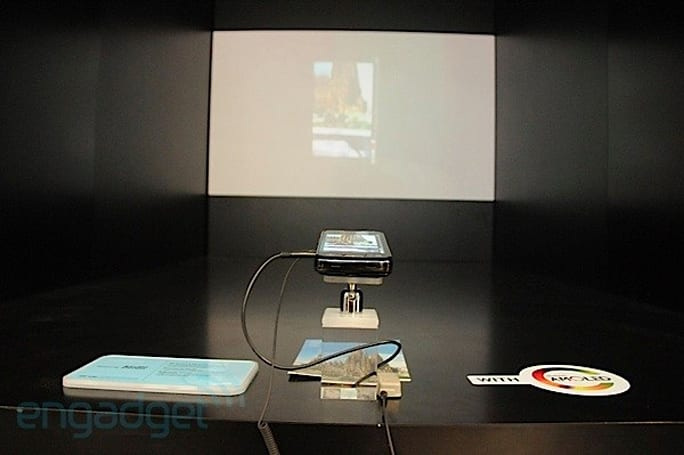 Samsung Galaxy Beam: world's first Android projector phone on sale in July