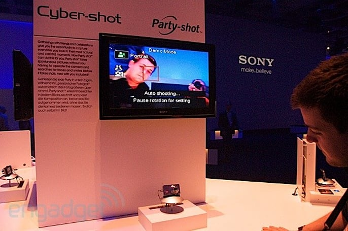 Video hands-on: Sony's Party-shot dock knows how to par-tay, unlike Paul