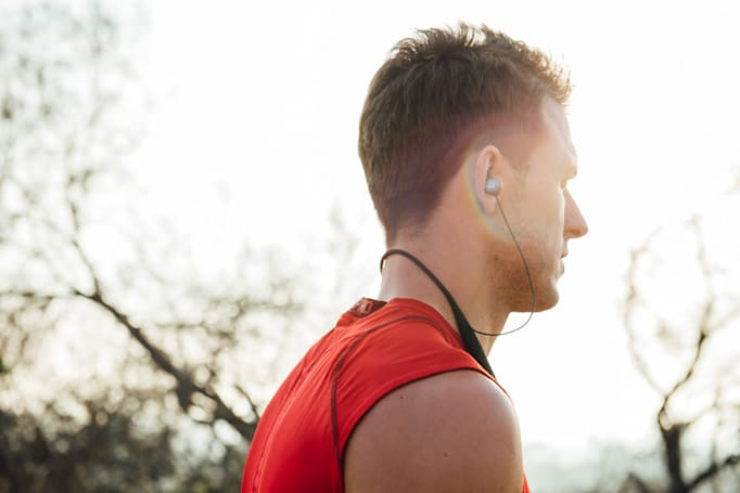 Smart headphones put an AI fitness coach in your ear