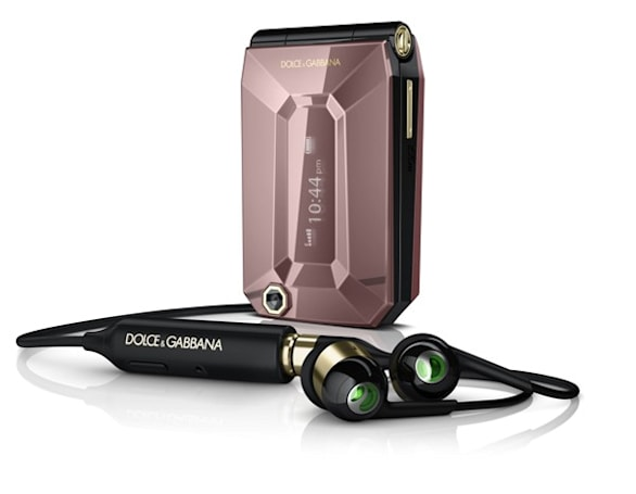 Sony Ericsson eyes fashionistas with Dolce&Gabbana Jalou clamshell