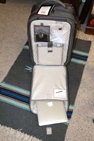 """ECBC B8 Sparrow: The """"everything bag"""" for business travelers"""