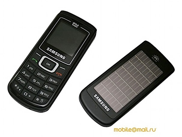 Samsung's E1107 with built in solar panel gets a thorough shakedown