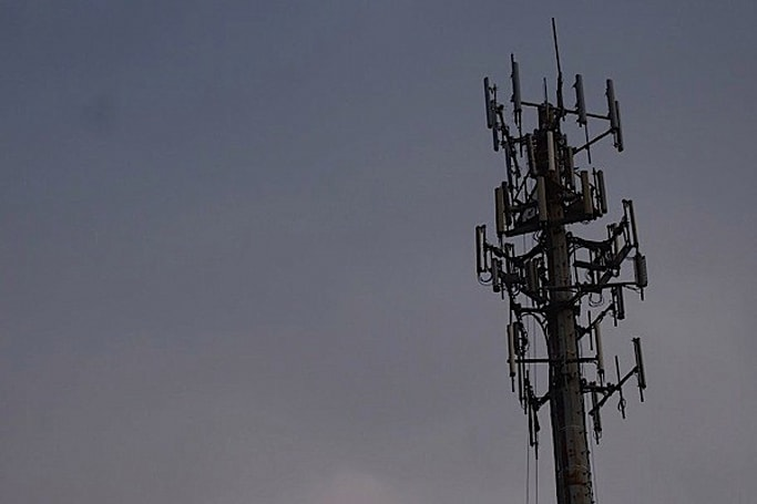 Cricket looks to enhance LTE rollout plan, strikes five-year deal with Clearwire