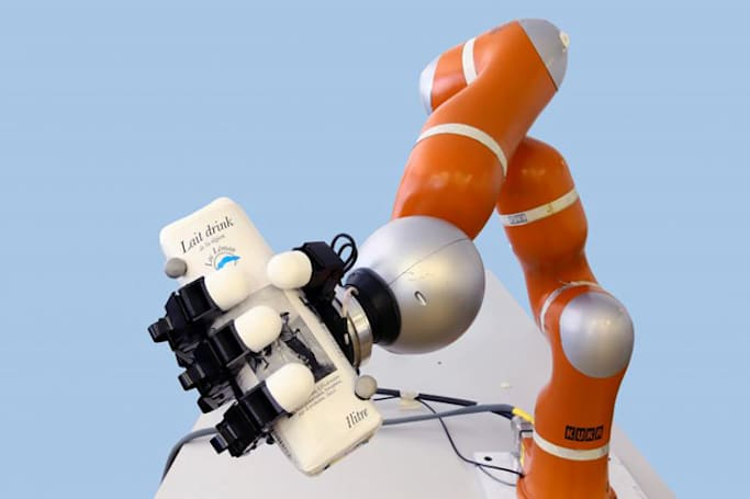 Scientists build a robot arm that catches objects in the blink of an eye
