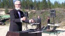Metallophon: Musikinstrument wird mit Pistolen gespielt