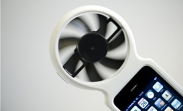 Dutch designer creates wind-powered iFan case-charger for iPhone