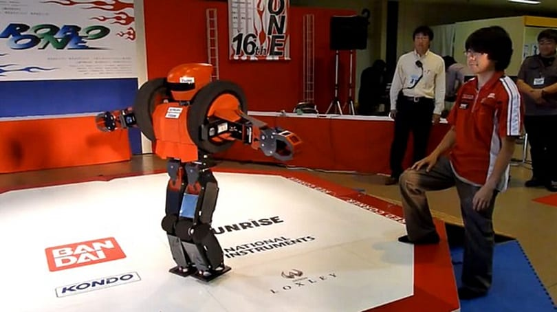Video: Takeshi Maeda's OmniZero.9 robot transforms, carries creator, blows minds