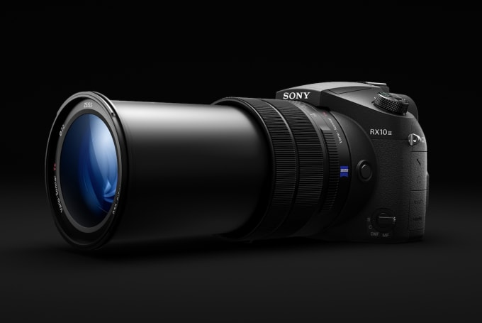 Sony's RX10 III zoom camera steps up to a 24-600mm lens