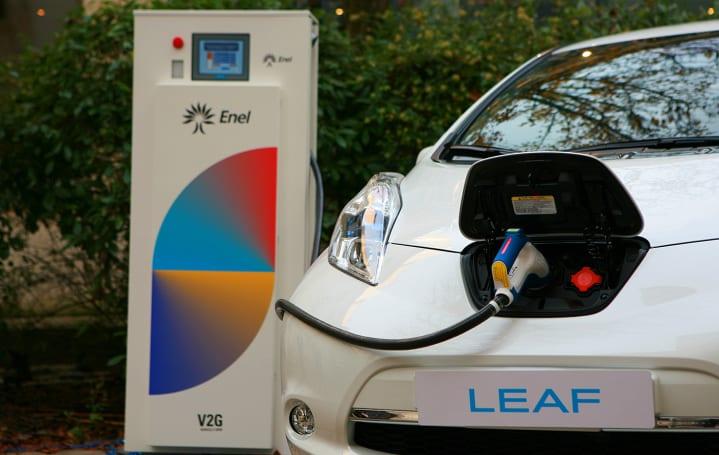 Nissan wants you to use its Leaf EV like a Tesla Powerwall