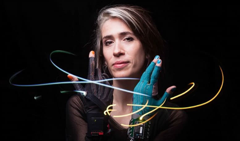 Imogen Heap's high-tech gloves could make the rest of your band obsolete