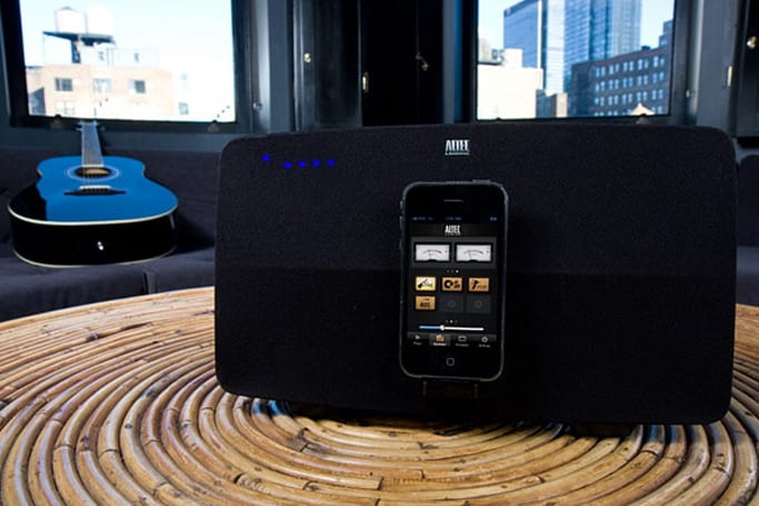 Altec Lansing's Octiv 650 iPhone / iPod speaker dock does video out, brings new meaning to Mood lighting