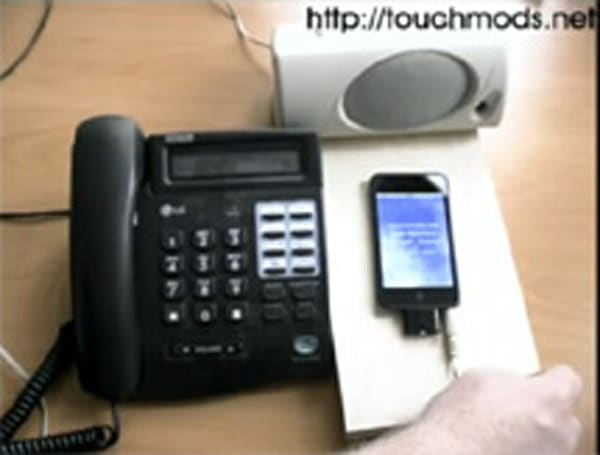 iPod touch SIP-VoIP application videoed in action