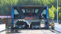 Chinas Fahrbahn-überspannender Superbus vor dem Aus?