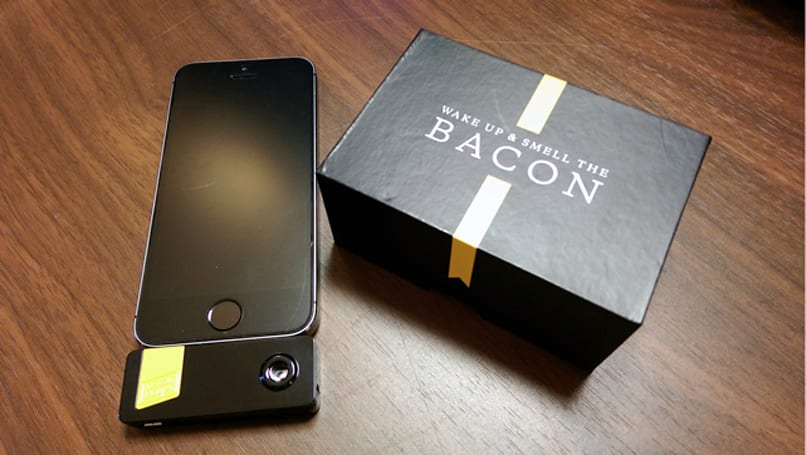 My iPhone smells like bacon, thanks to Oscar Mayer