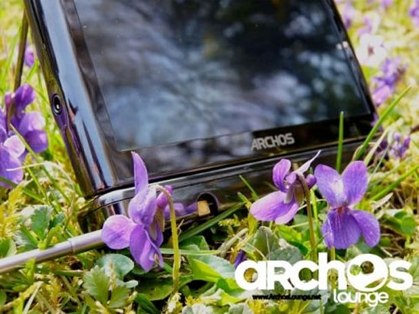 Archos 5 Snap-on TV DVB-T tuner reviewed on video with disarmingly alluring soundtrack