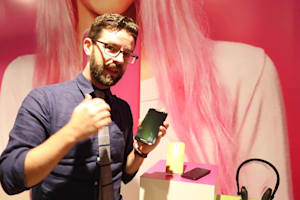 Moto X Style Hands-on