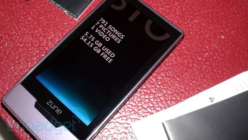 Microsoft's Zune HD 64 starts sliding out, unboxing proves the bump in capacity
