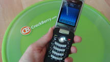 Video: Blackberry KickStart 8220 flip