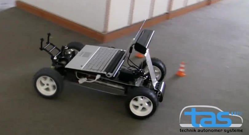 Kinect gets own set of wheels, drives a car, nothing can stop it now (video)