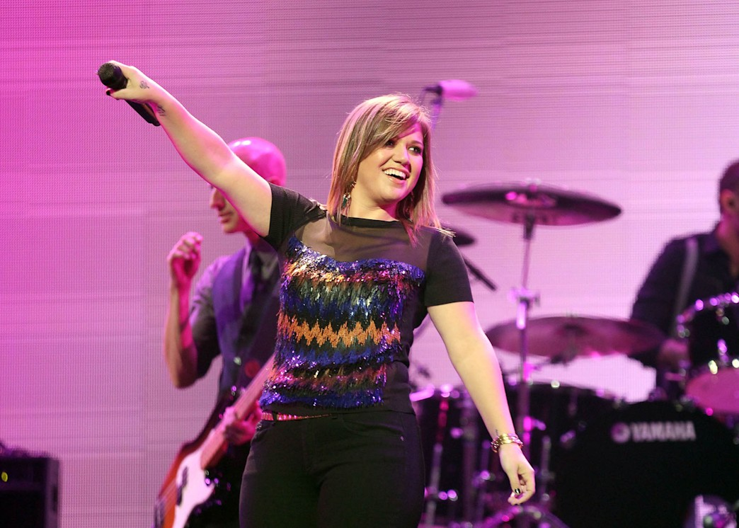 UK to Kelly Clarkson: hands off our nation's ring