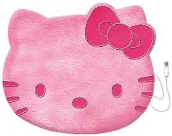 Hello Kitty embraces warming blankets, gets fired up via USB