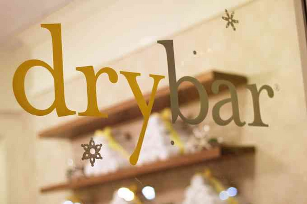 Drybar invades Chicago just in time for the holidays (+ an interview with founder Alli Webb!)