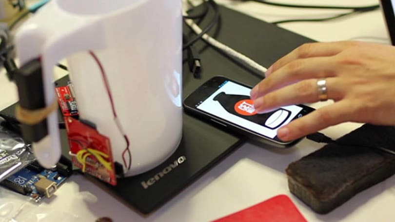 Teehan+Lax's 'Do We Have Milk?' answers the burning question with your Android phone, custom jugs (video)