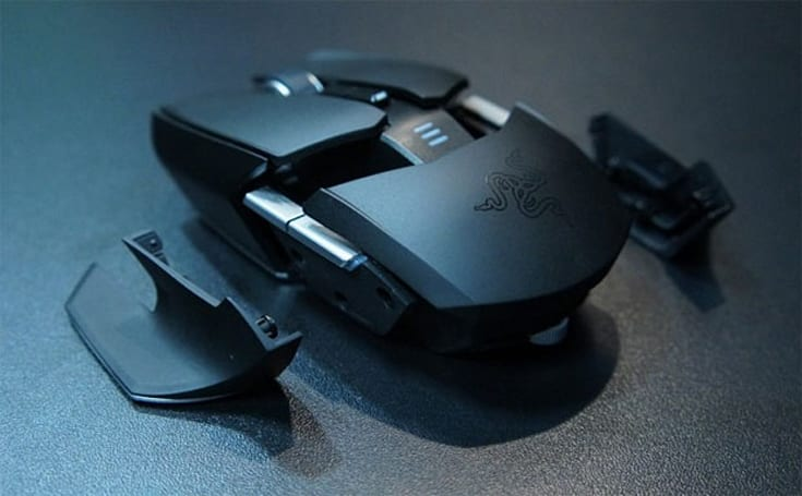 Razer's ambidextrous Ouroboros mouse now shipping, ready to placate left-handed gamers