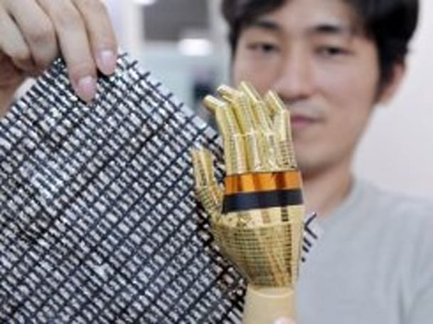 "Japanese researchers craft ""e-skin"" to let robots feel"