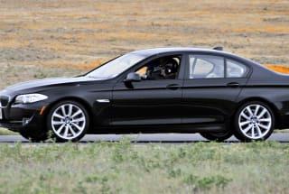 BMW remotely locks a thief inside a car