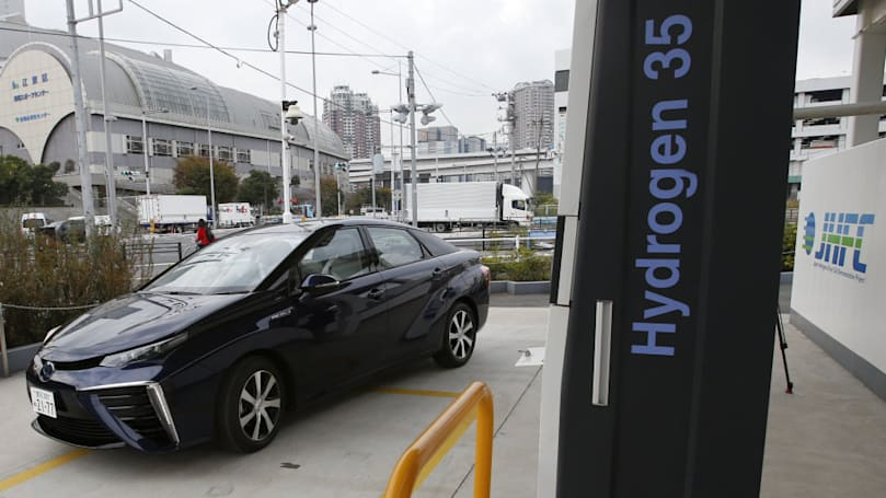 What you need to know about hydrogen fuel cell vehicles