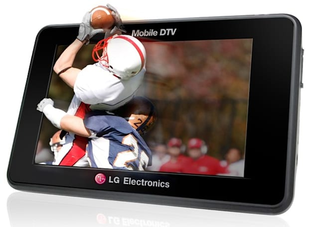 LG's CES 2011 HD lineup: SmartTV platform, network Blu-ray players and HDTVs