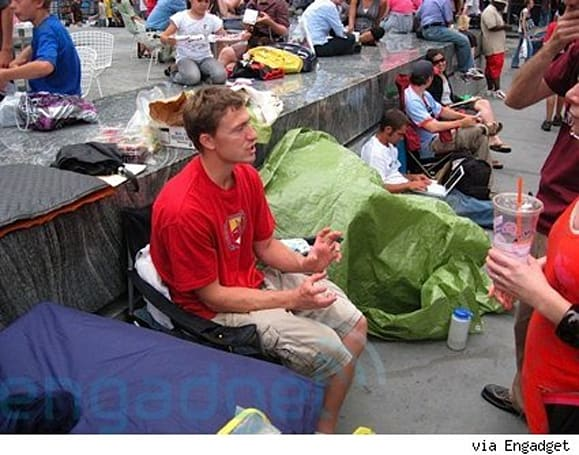 Found Footage: Waiting in line for an iPhone 3G