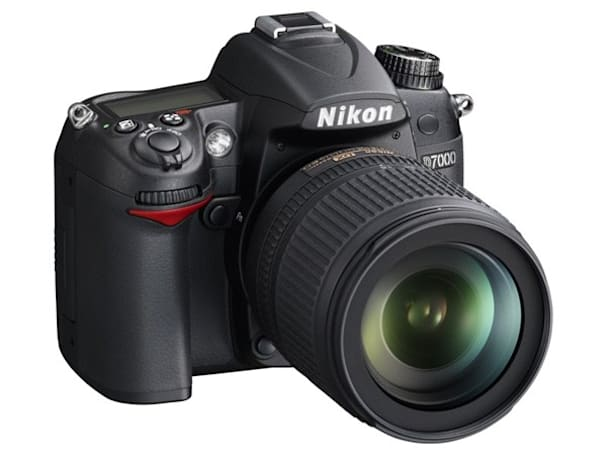 Nikon D7000 brings 39-point AF, 1080p video, and magnesium alloy construction to $1,200 price point