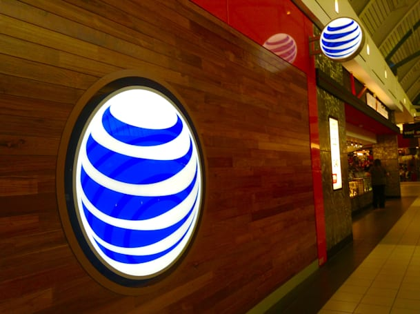 AT&T and Verizon defend their zero-rating policies to the FCC