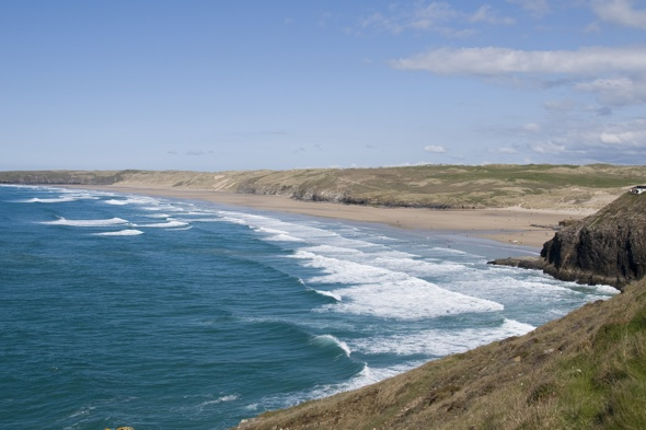naked-body-found-perranorth-beach-cornwall-had-sock-in-mouth