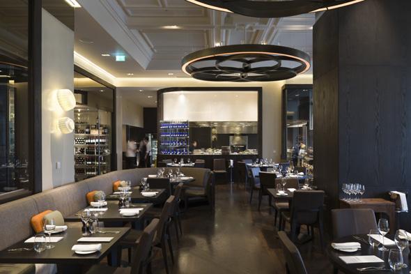 norovirus outbreak at heston blumenthal restaurant dinner at mandarin oriental hotel, london