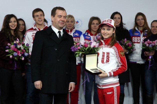 【レポート】ロシアがソチ五輪メダリストにメルセデスの新車をプレゼント!