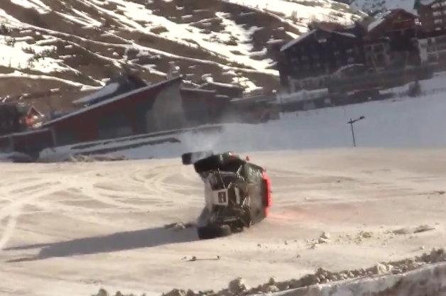 【ビデオ】ジャンプの世界記録に挑んだドライバーの衝撃映像 ※視聴注意