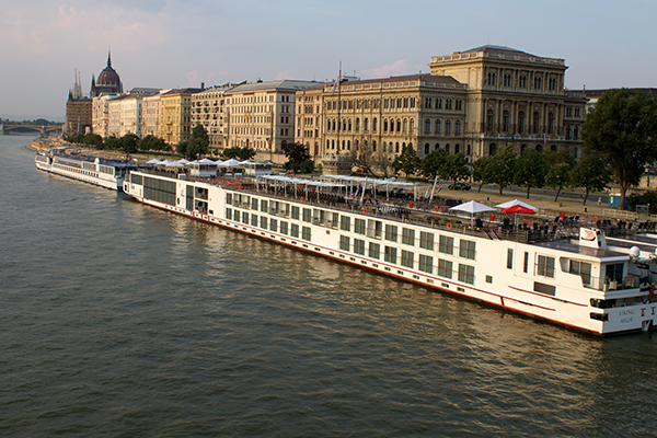 river cruise ships Budapest