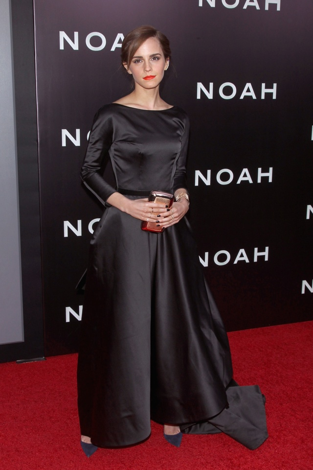 emma-watson-black-dress-new-york-premiere-noah