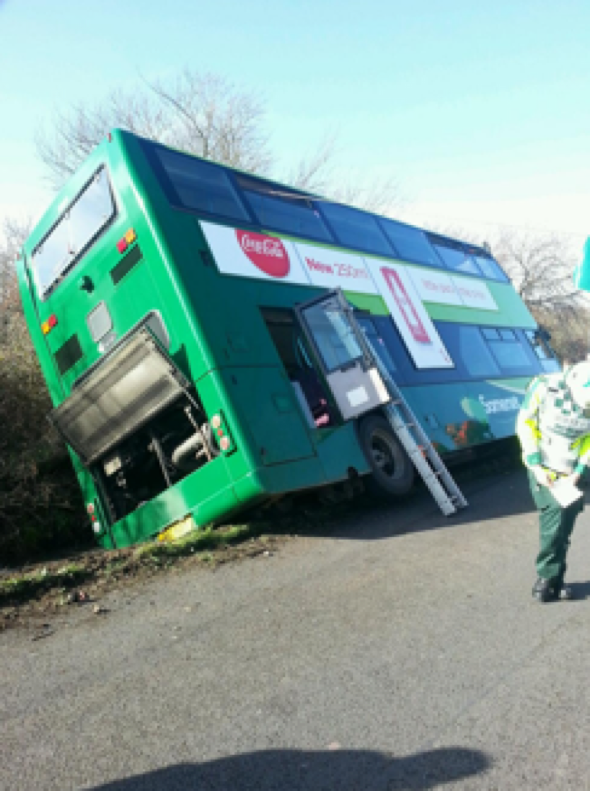 double-decker-bus-toppled-ditch-somerset