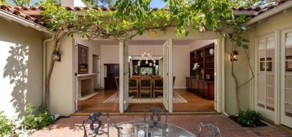 jodie foster hollywood hills house for sale