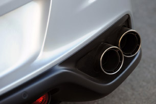 2013 Ferrari FF exhaust tips