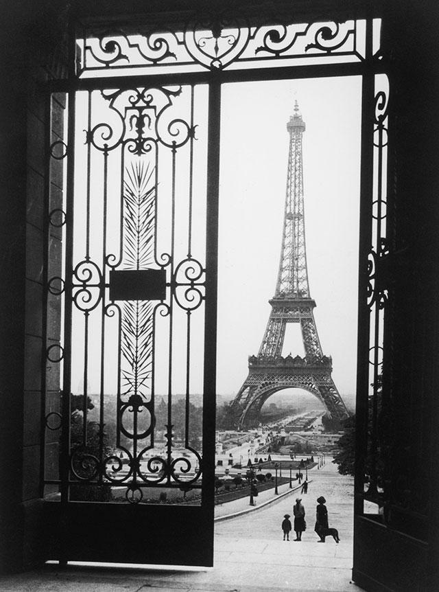 five things that happen when you visit paris