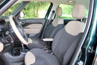 2015 Fiat 500L Living front seats