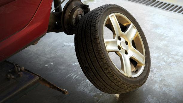 【ビデオ】安全性も経済性もアップ! タイヤ交換時に気を付けたい4つのポイント