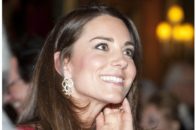 LONDON, UNITED KINGDOM - FEBRUARY 17:  Catherine, Duchess of Cambridge attends the Dramatic Arts reception at Buckingham Palace on February 17, 2014 in London, England. (Photo by David Crump - WPA Pool/Getty Images)