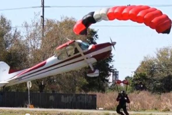 plane-crashes-skydiver-landing-florida
